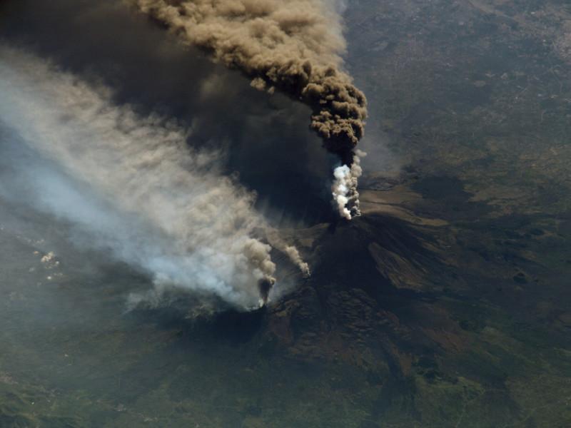 Volcano Etna year 2002 eruption
